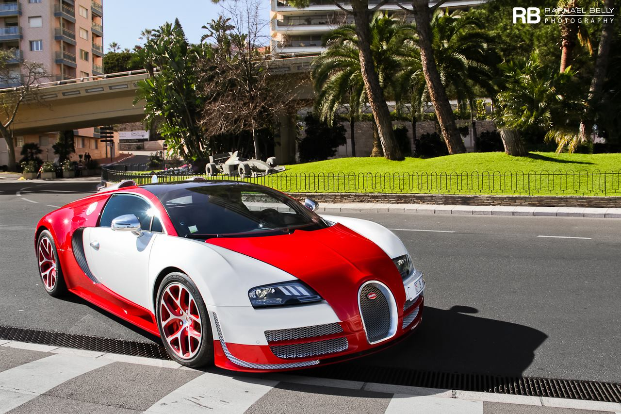 bugatti veyron in white and red color - front photo  size 1280 x 853  nr  1  6