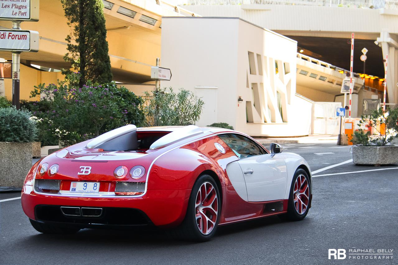 bugatti veyron in white and red color rear photo size 1279 x 853 nr 5 6. Black Bedroom Furniture Sets. Home Design Ideas