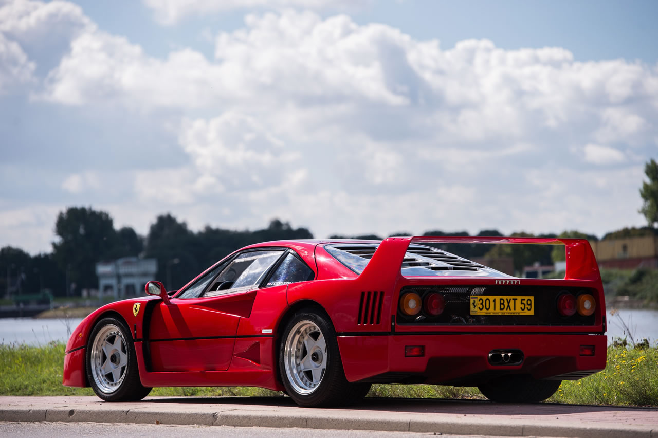 Nigel Mansell's Ferrari F40 - rear photo, Rosso Corsa ...