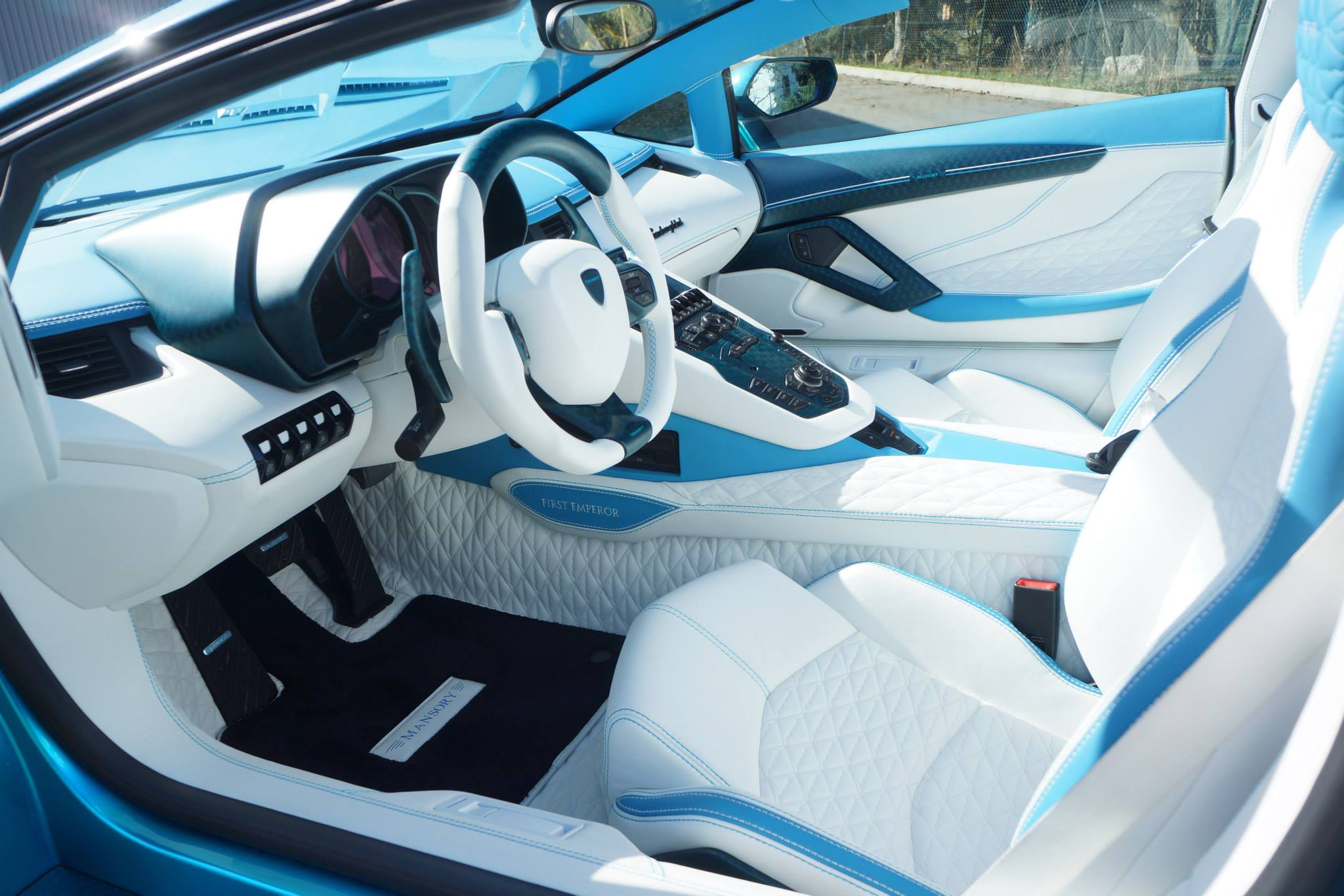 Lamborghini Aventador LP 700-4 Roadster by Mansory - interior photo ...