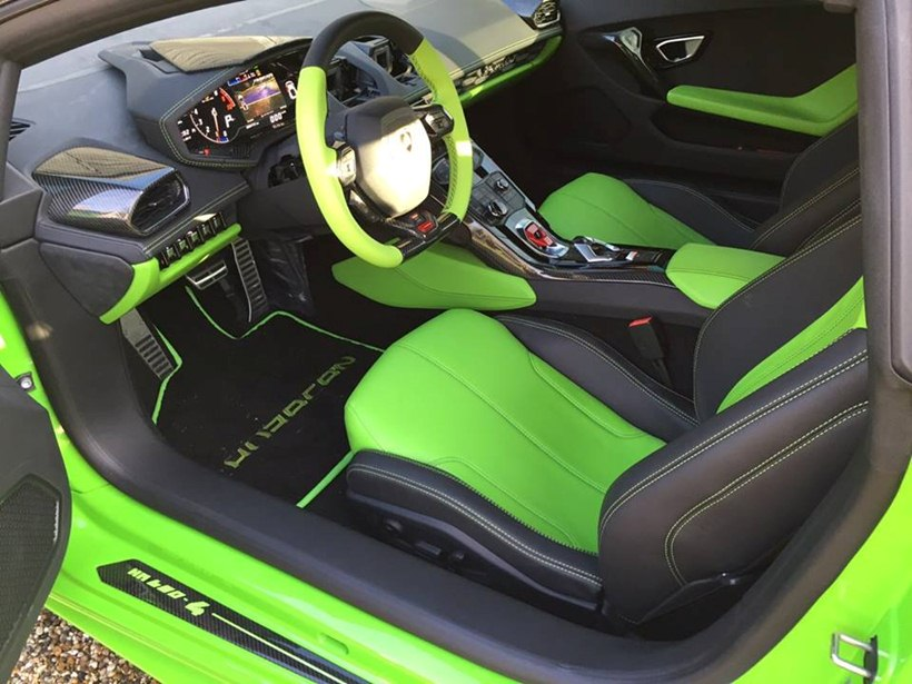 interior green interior seats steering wheel 2015 lamborghini huracan