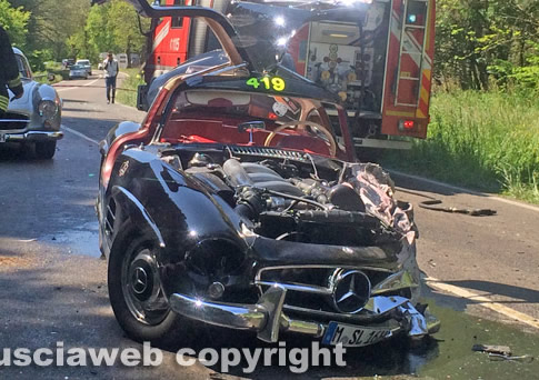 Mercedes Benz 300sl Gullwing Crash At 2014 Mille Miglia