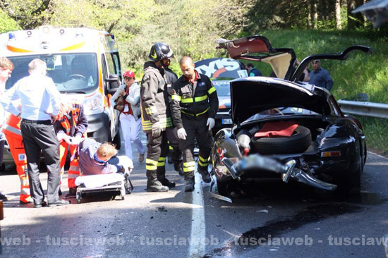 Pagani Huayra For Sale >> Mercedes-Benz 300SL Gullwing Crash at 2014 Mille Miglia ...
