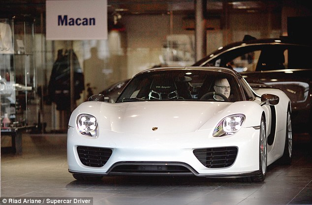 Saleen For Sale >> McLaren P1, Ferrari LaFerrari and Porsche 918 Spyder - front photo, size 634 x 418, nr. 8/9 ...