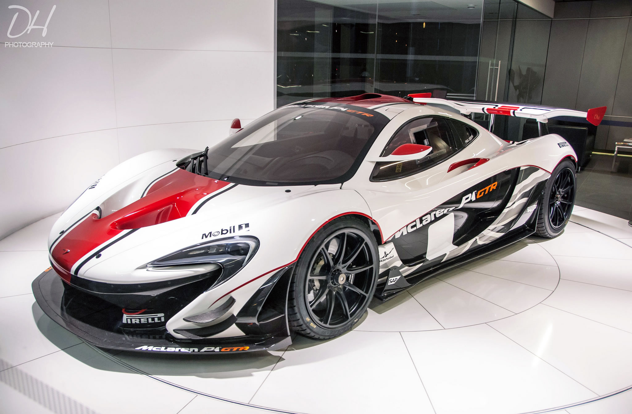 Lykan Hypersport Top View >> McLaren P1 GTR - white/black/red livery, front three ...