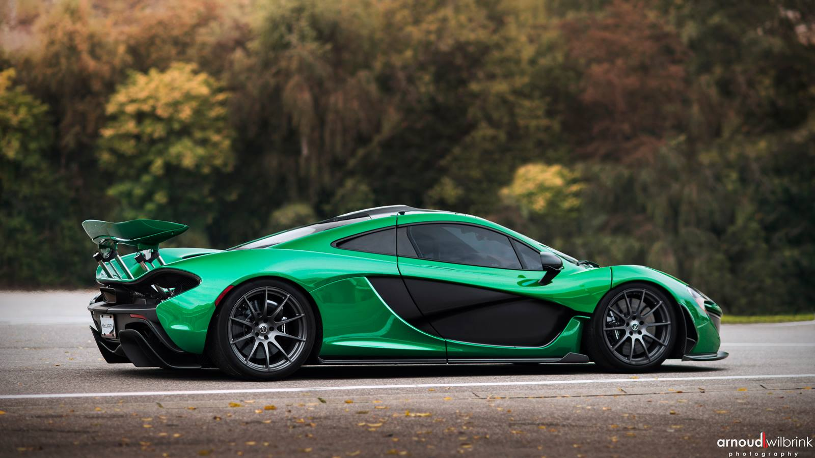 Mclaren P1 In Green Color Side View Race Mode
