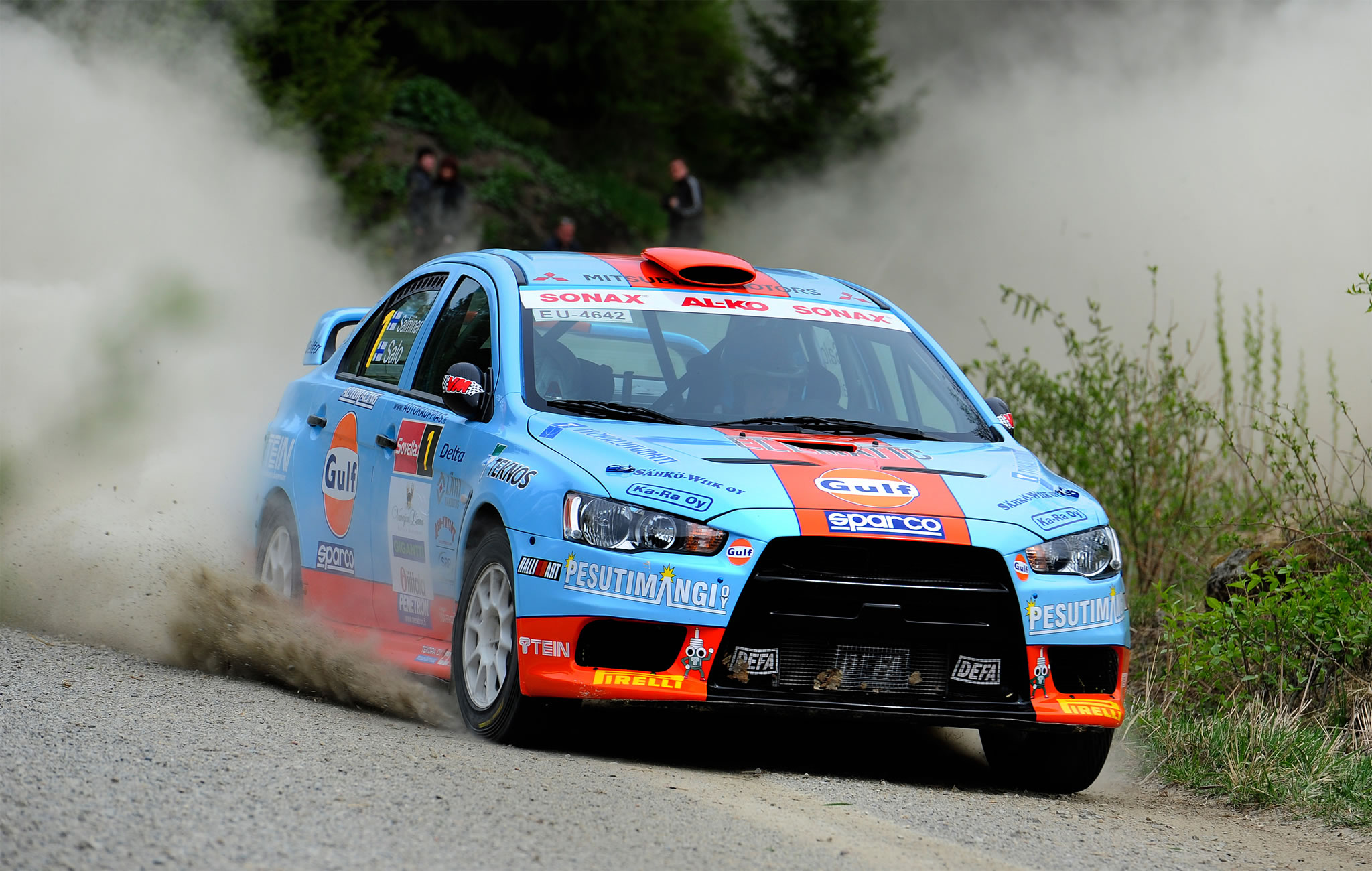 Mitsubishi Lander Evo X in Action - rally car, Gulf Oil livery ...