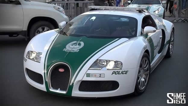 video bugatti veyron joins dubai police fleet. Black Bedroom Furniture Sets. Home Design Ideas