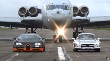 Bugatti Veyron WRE and Mercedes AMG 300SL Cruising with VC10 Airplane