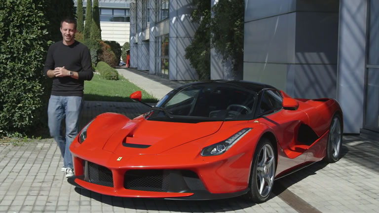 Video Motortrend Reviews Ferrari Laferrari In Italy
