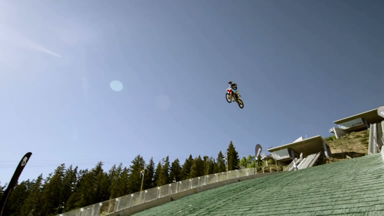 Video Robbie Maddison Jumps Off Ski Ramp With Motorcycle