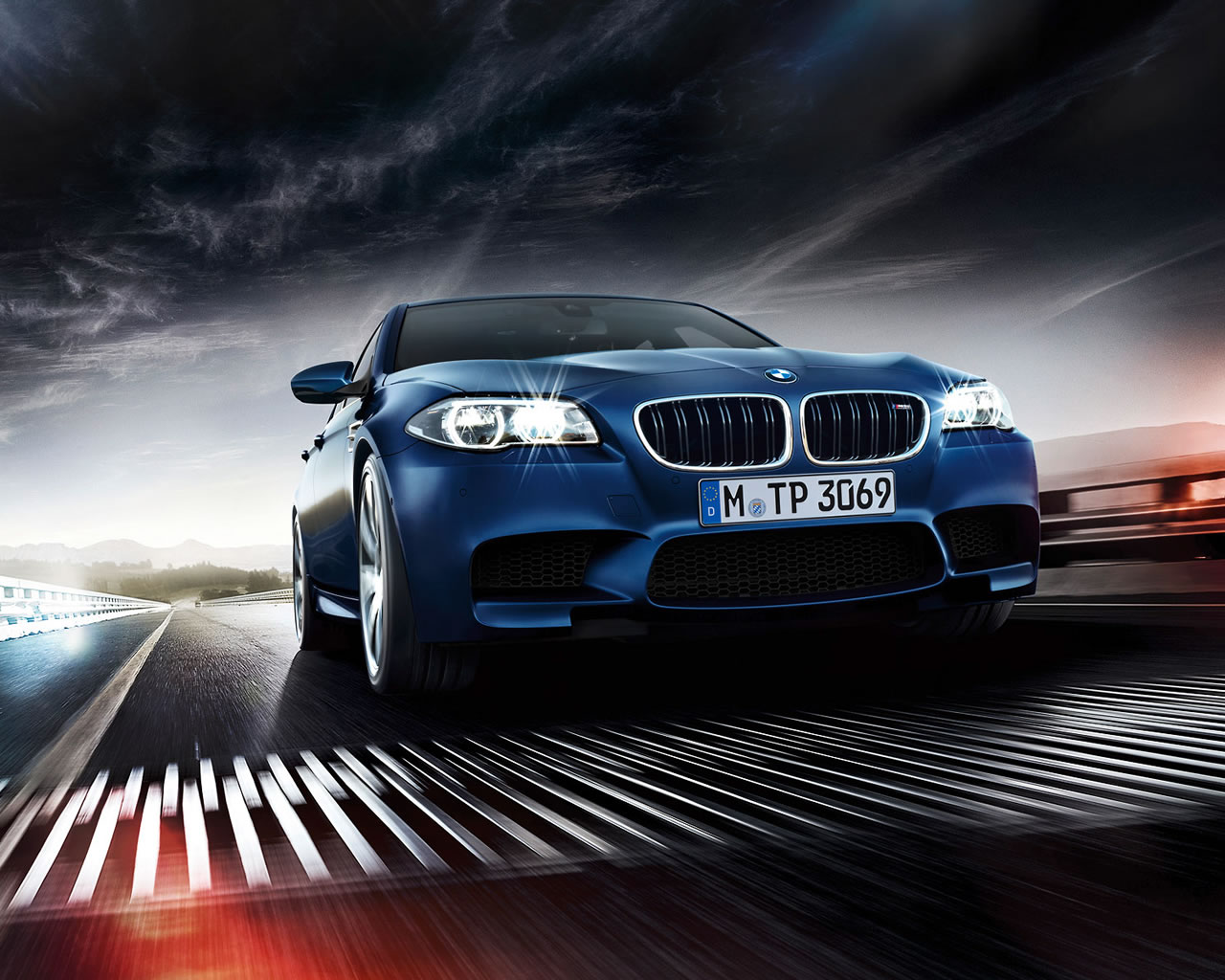 2014 BMW M5 Sedan Wallpaper - 1280 x 1024