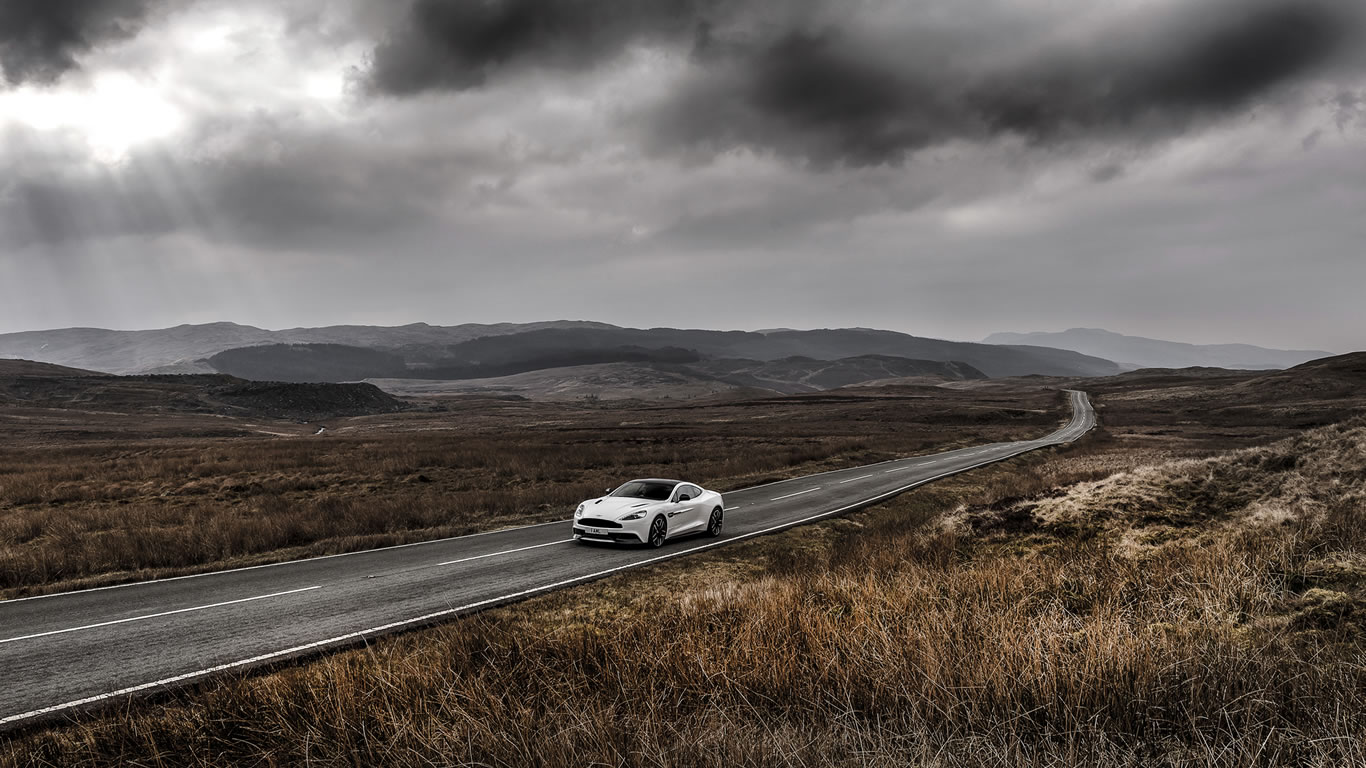 2015 Aston Martin Vanquish Carbon White Wallpaper - 1366 x 768