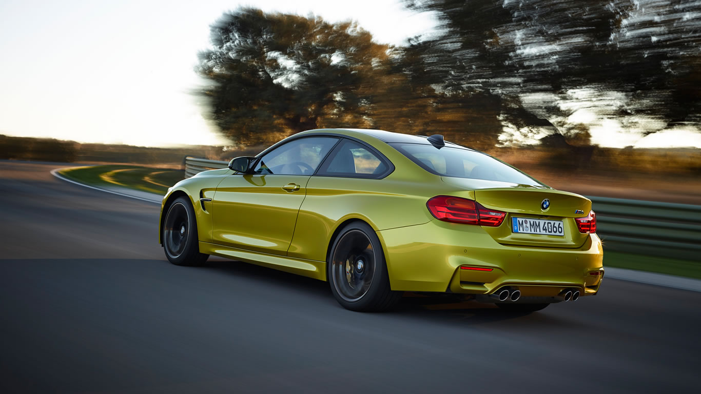 2015 BMW M4 Coupe Wallpaper - 1366 x 768