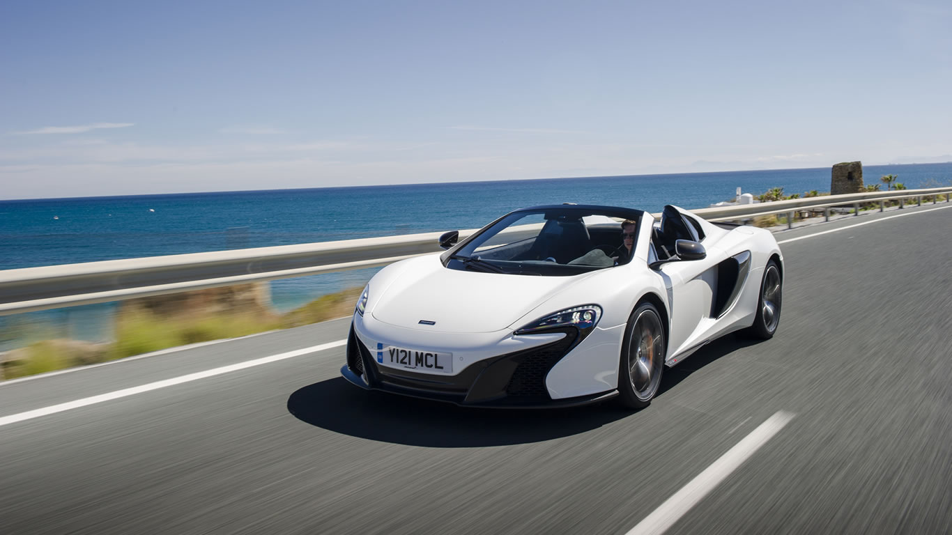 2015 McLaren 650S Spider Wallpaper - 1366 x 768